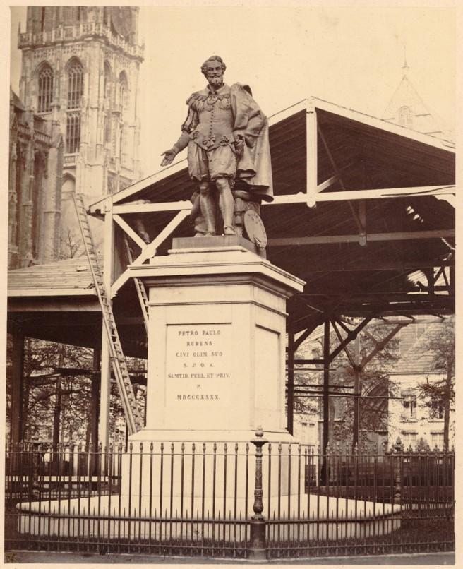 Rubens op de Groenplaats (foto Edmond Fierlants, 1865: Consciencebibliotheek)