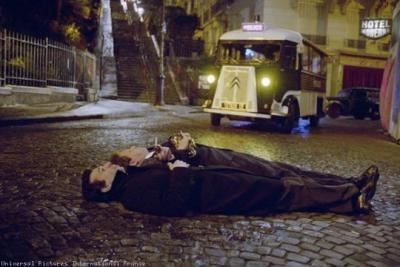 Serge Gainsbourg en Boris Vian wachten op een taxi