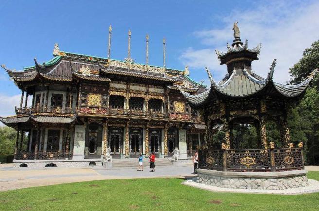 Chinees paviljoen, Laken