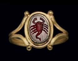 Romeinse ring met schorpioen, 2de eeuw n.C., geveild bij Christie's
