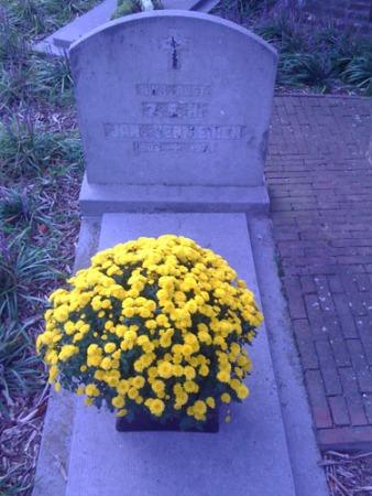 Bij de Sint-Clemenskerk, Minderhout