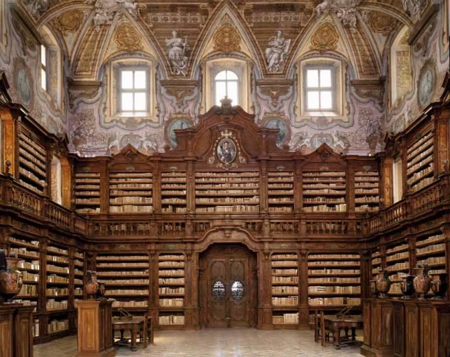 Libreria Girolamini, Napels